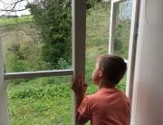 window-view-child-scenic