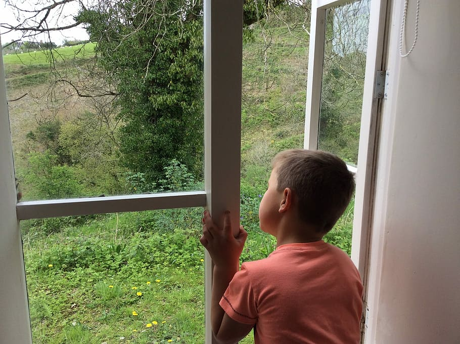 window-view-child-scenic
